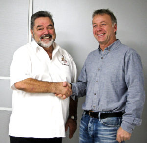 Richard Nussbaumer und der 1. Vorsitzende des Fördervereins Haus Conrath, Stefan Schweisgut